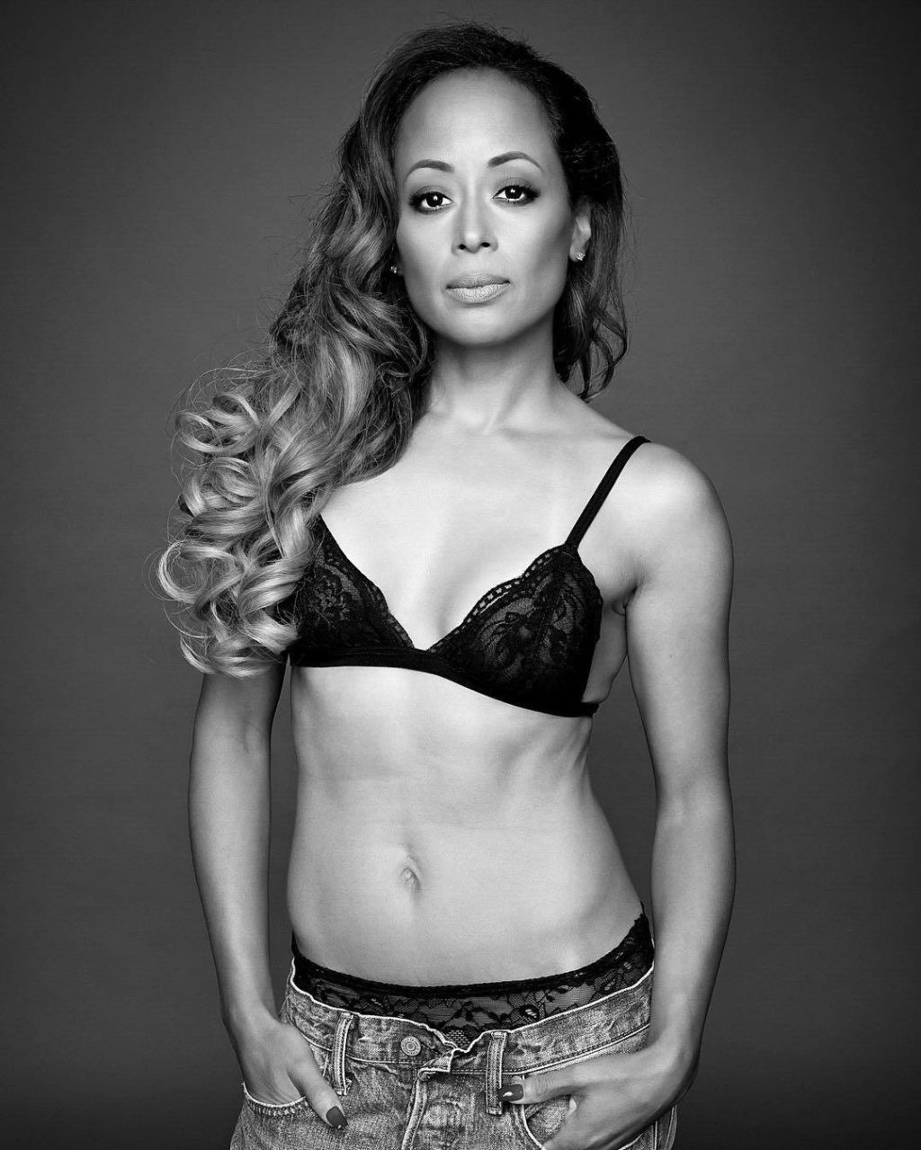 Shows In Los Angeles >> NEWLY SINGLE ACTRESS Essence Atkins . . . Shows Of Her Body