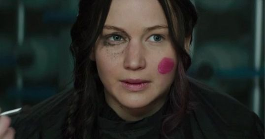 Jennifer Lawrence's Makeup Is Dreadful in This Deleted ...