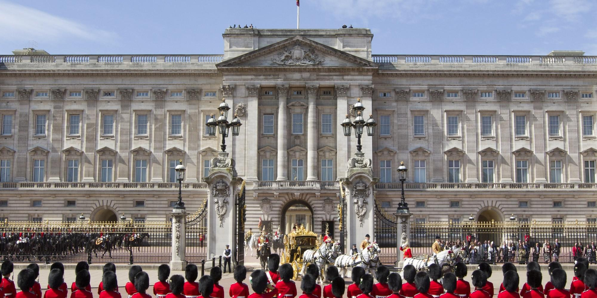 buckingham palace research papers Buckingham palace reservicing programme summary report page | 2 buckingham palace is one of the united kingdom's most prestigious buildings.