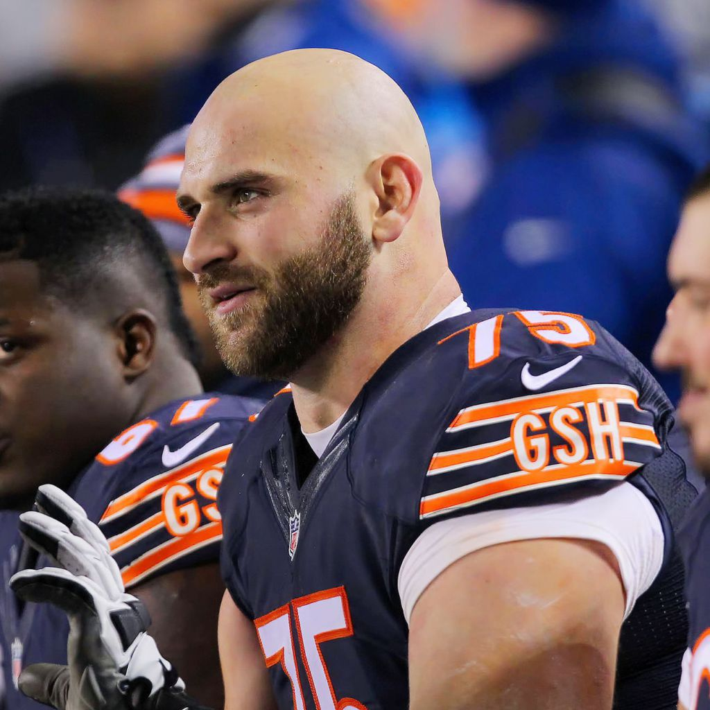 Long stays at right tackle on Day 1 of Chicago Bears minicamp