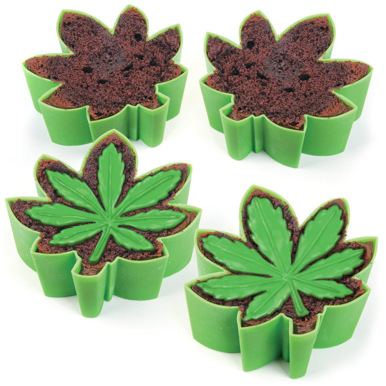 Cannabis Leaf Cake Pan