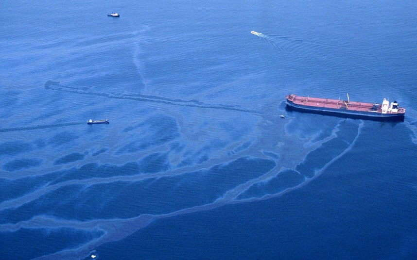 """a paper on the exxon valdez oil spill The narrator in the story """"is humanity a special threat"""" says """"the smartest thing they (exxon) could have done after the spill is not one single thing"""" this essay is about the exxon oil spill, specifically about the cleanup failure that exxon committed i agree with the narrator's quote."""