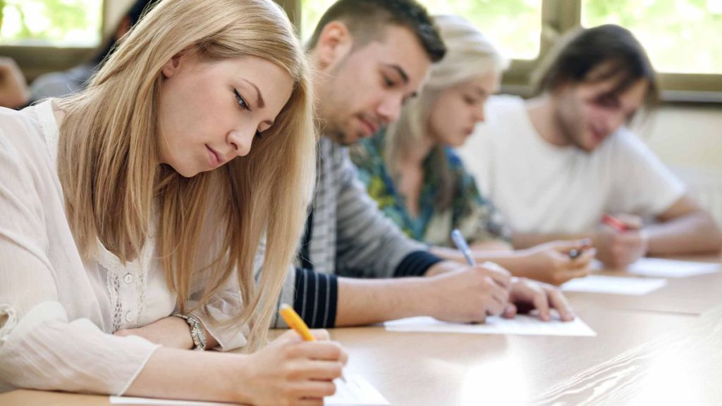 creative writing students Creative writing the creative writing concentration in the english major: this concentration allows students to pursue creative writing at a high level in the context of advanced literary study.