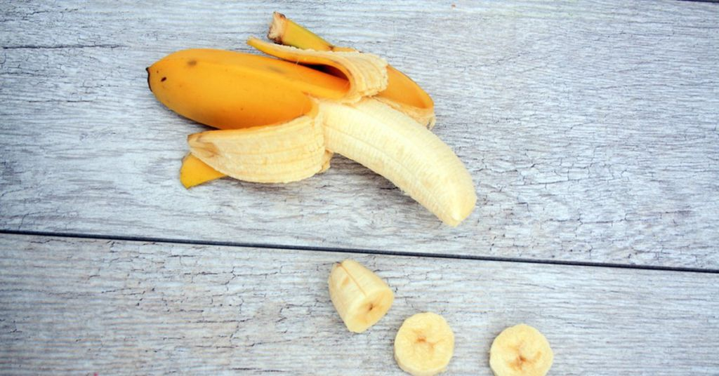 use of bananas for bowel movements Too few or too many bowel movements can indicate trouble istock/gmcoop while everyone has his or her own normal, having bowel movements three times a week or less is the common definition of.