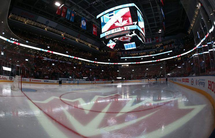 Empty seats subdued crowd in canada world cup win for Balcony 417 rogers arena