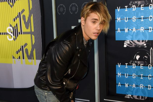 MTV Video Music Awards Justin Bieber Debuts His New Hairstyle - Justin bieber new hairstyle vma