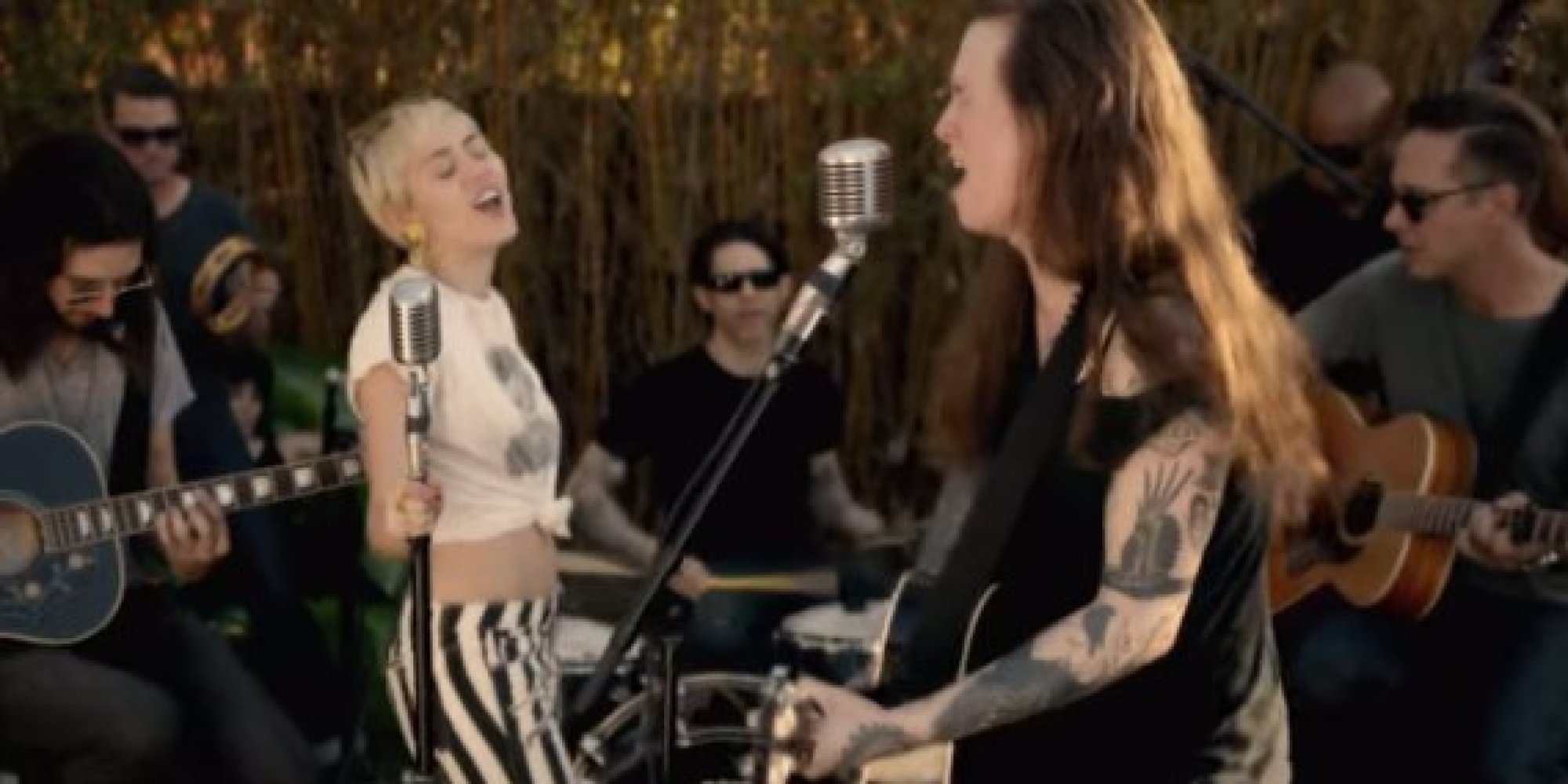 miley cyrus joins laura jane grace giving for moving version of