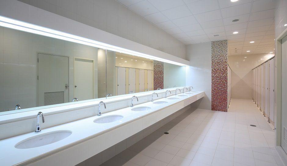 High School Bathroom teen dies after assault in high school restroom, fight began with