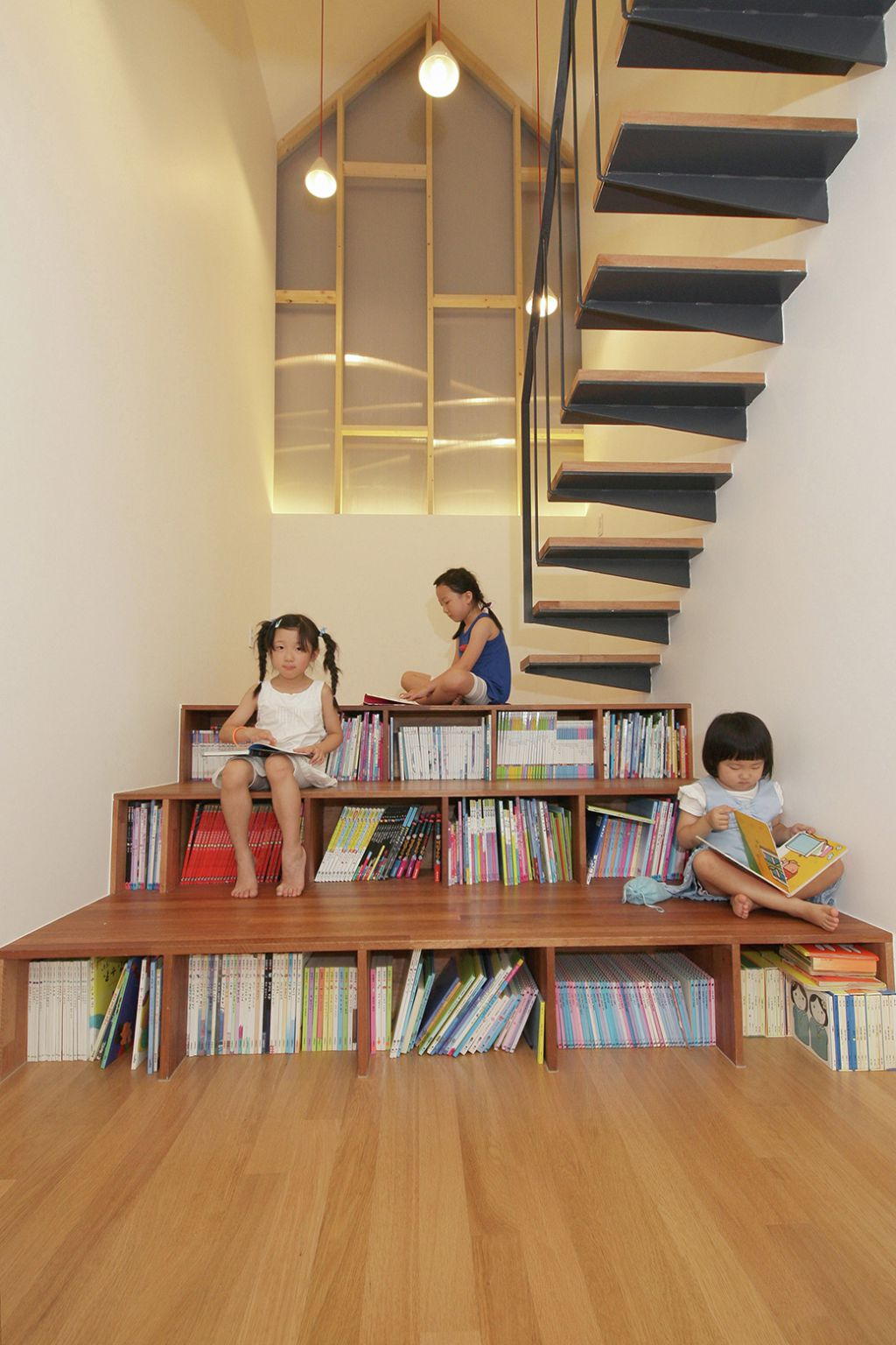 Library stairs - fancy-deco.com.