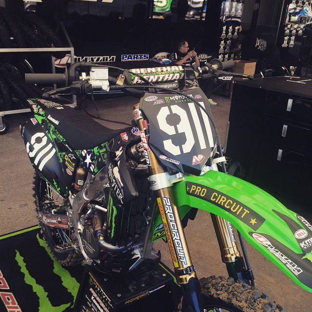 Connu theme on Tyler Bowers' bike for Military Appreciation day #SDSX  TW22